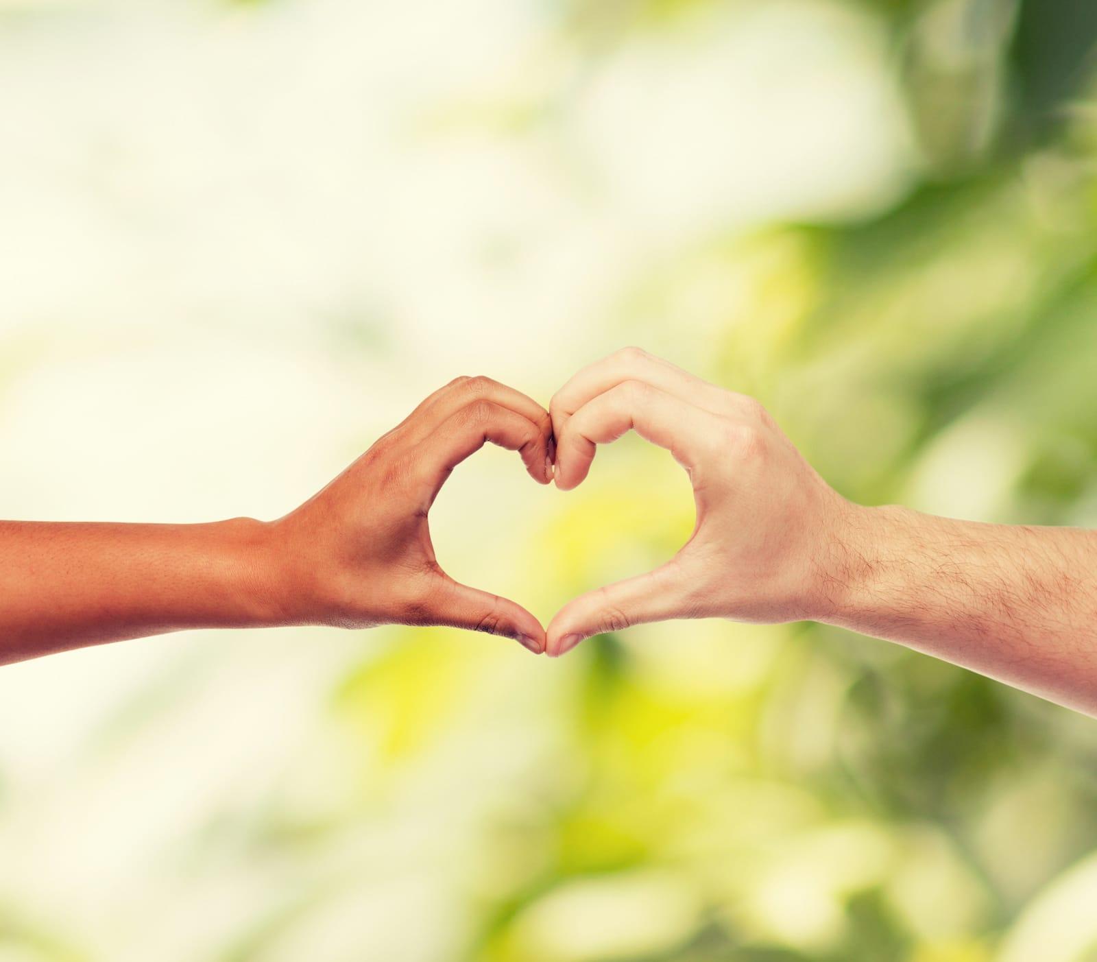 Liebe ist das einzige, das sich vermehrt, wenn man es teilt.